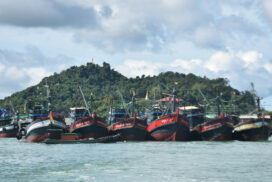 Offshore fishing vessels set out to sea in Myeik District this month