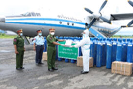 Oxygen cylinders donated by generous donors delivered to Ayeyawady Region by military plane