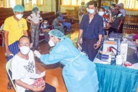 A hundred of theatrical professionals vaccinated against COVID-19 in Yangon