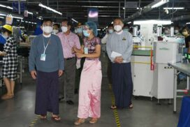Union Minister U Myint Kyaing, Yangon Region Chief Minister U Hla Soe inspect condition of factories under COVID-19 prevention guidelines