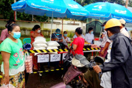 Myanmar rice body sells food commodities at fairer prices for public in Thanlyin