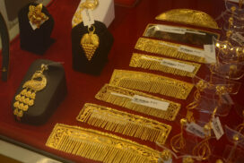 Domestic gold price gains up to over K1.7 mln