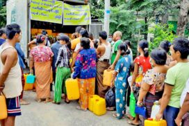 Myanmar Edible Oil Dealers' Association distributes oil at fairer prices in Pwintbyu Township