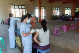Over 45-year-old people in Hsenwi receive 1st dose of COVID vaccine