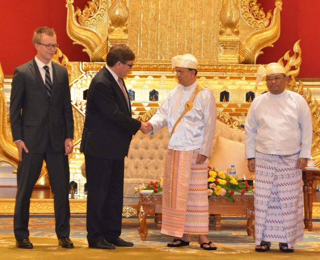 President  U Thein Sein shakes hands with Ambassador of Denmark Mr. Peter Lysholt Hansen at presentation ceremony of Credentials. mna