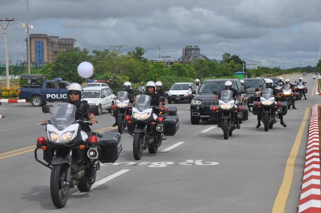 Escorts rehearse for giving security to delegates to ASEAN Summit.mna