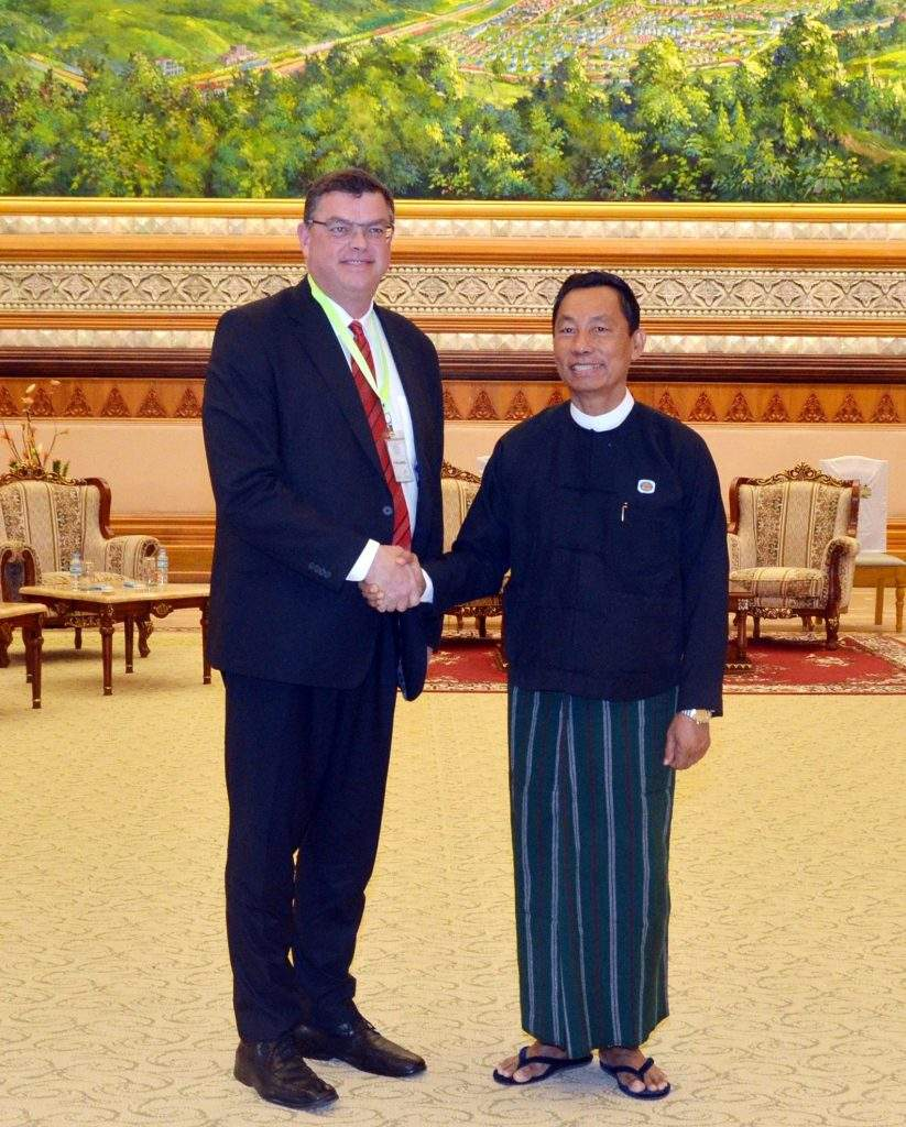 Thura U Shwe Mann cordially greets Mr Mogens Jensen, Minister for Trade and Developmetn Cooperation of Denmark