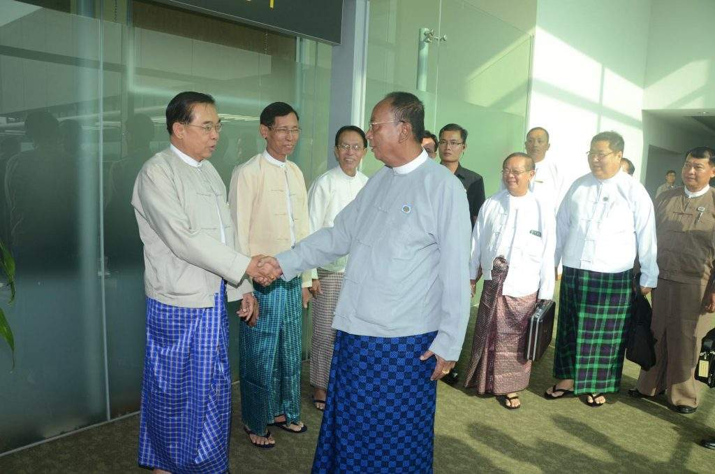 Speaker of Amyotha Hluttaw U Khin Aung Myint being seen off by officials at Yangon International Airport before departure for Thailand.—mna