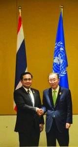 Thai Prime Minister Prayuth Chan-o-cha greets  UN Secretary-General Ban Ki-moon.