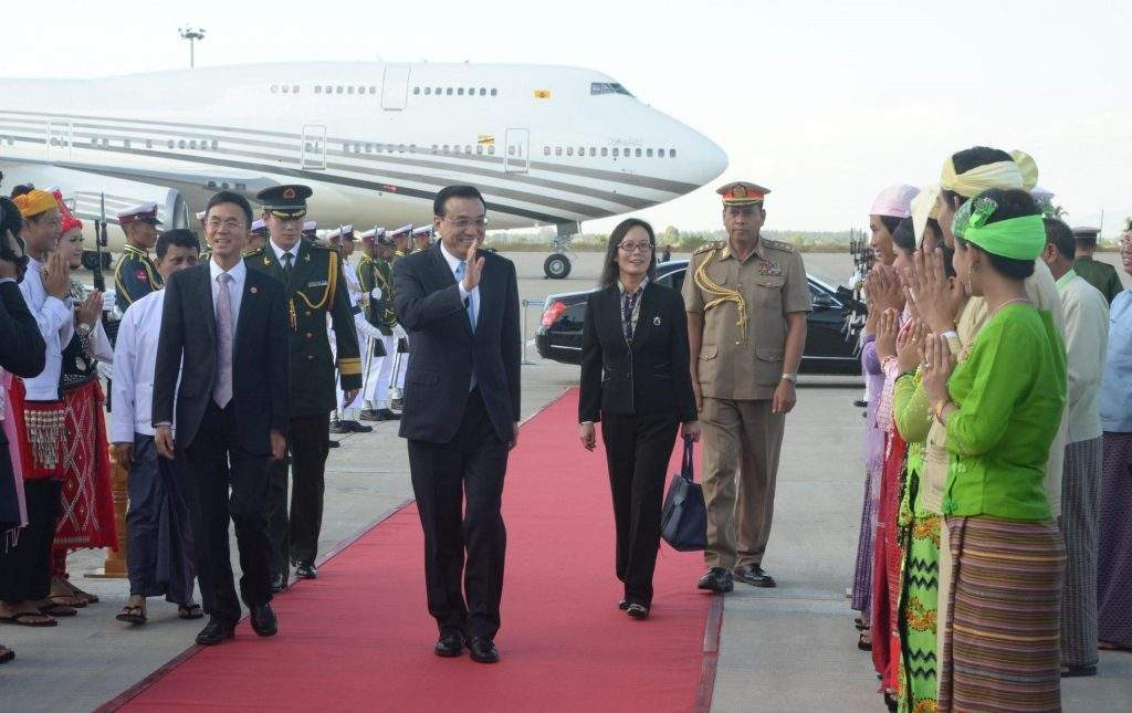 Union Minister for Science and Technology Dr Ko Ko Oo sees off Premier of the People's Republic of China Mr Li Keqiang.