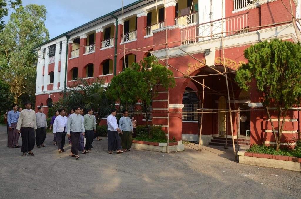 Union Ministers inspect renovation works at hostels of Yangon University. mna