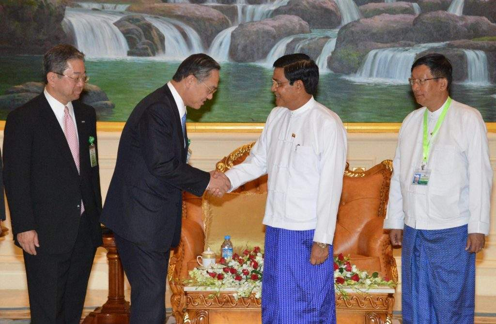 Vice President  U Nyan Tun welcomes Mr Takeshi Kunibe of Sumitomo Mitsui Banking Corporation. mna