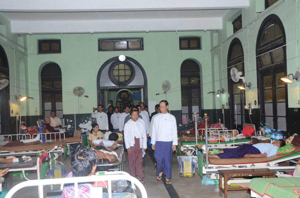 Vice President Dr Sai Mauk Kham  visits patient wards at  Yangon General Hospital.