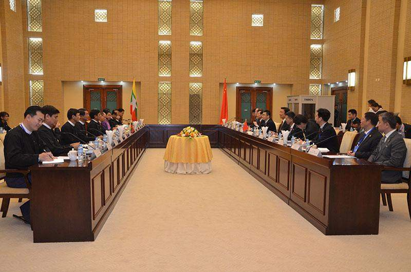 Vice President  U Nyan Tun holds discussions with Chinese Vice President Mr Li Yuanchao. mna