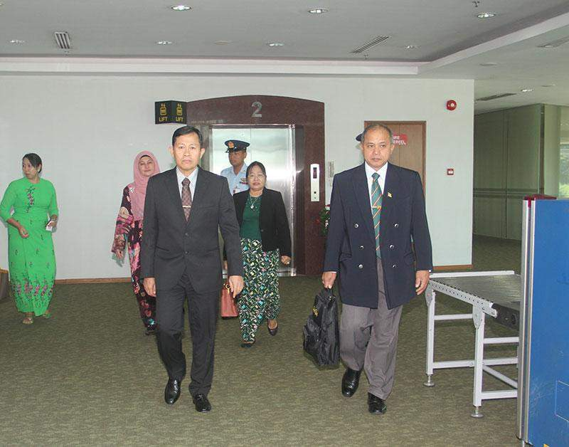 Deputy Commander-in-Chief of Defence  Services Commander-in-Chief (Army) Vice-Senior General Soe Win being seen of at Yangon International Airport by officials.