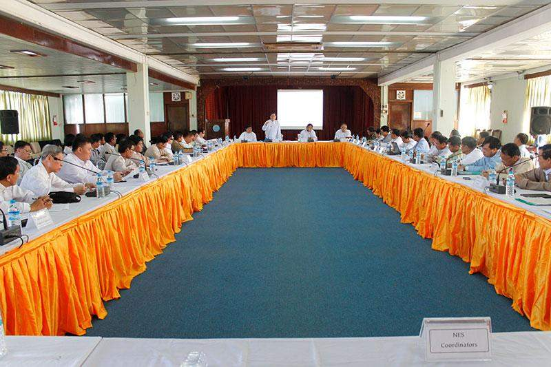 Union Minister U Tin Naing Thein speaking at the meeting on promotion of trade and economy.—mna