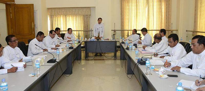 Deputy Speaker of Pyidaungsu Hluttaw and  Pyithu Hluttaw  U Nanda Kyaw Swa speaking at finalization of bills.