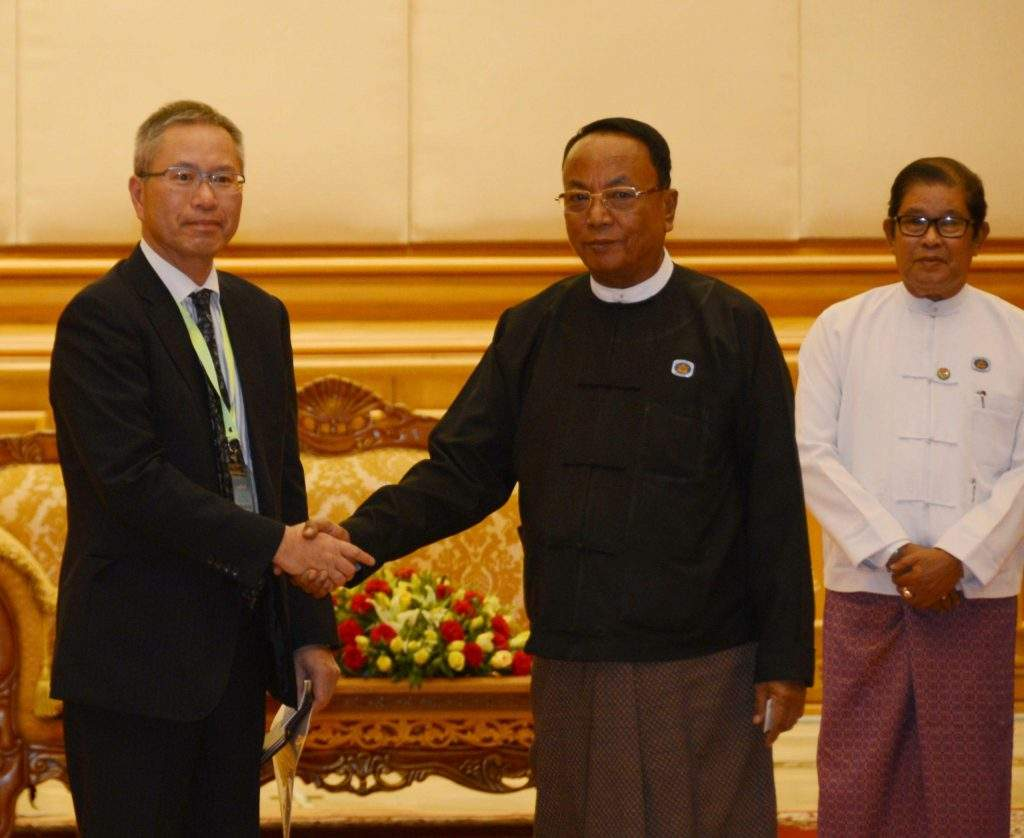 Speaker of Amyotha Hluttaw U Khin Aung Myint cordially greets Managing Director Mr Mamoru Yamamoto of KEIO Corporation of Japan.—MNA