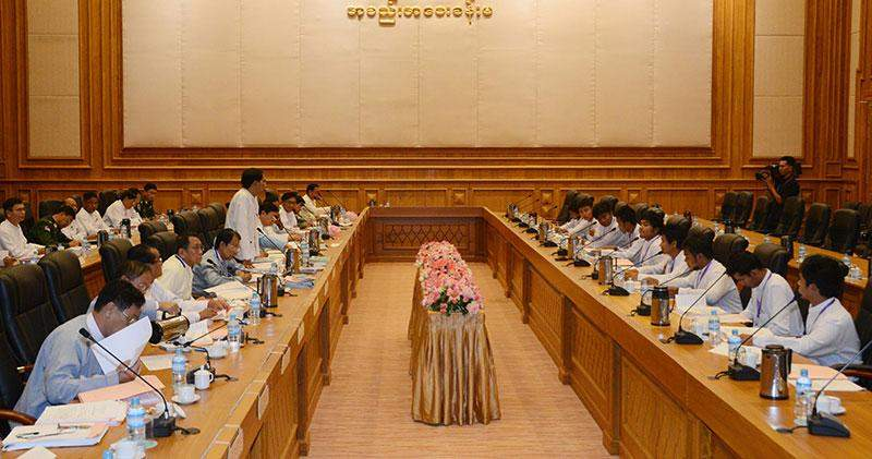 Amyotha Hluttaw Bill Committee officials meet students from ACDEM.