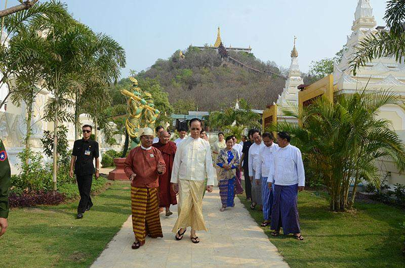 Vice President Dr Sai Mauk Kham and wife Daw Nan Shwe Hmon visit seven religious and historic  sites in Mandalay.—MNA