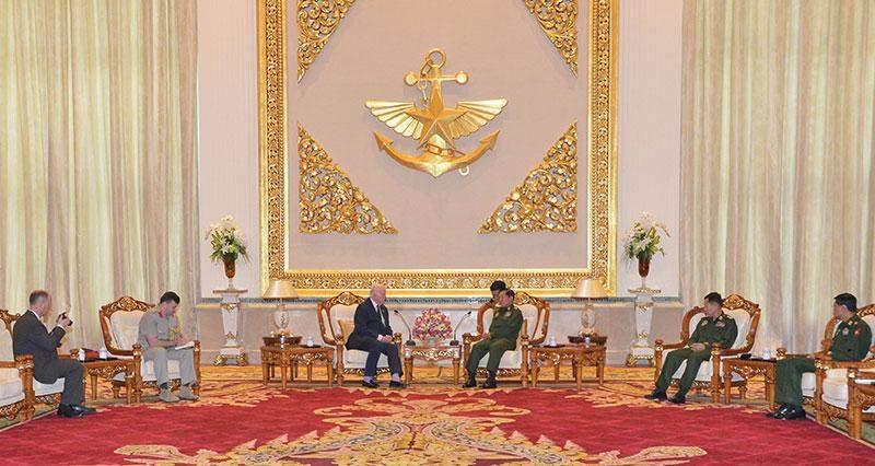 Senior General Min Aung Hlaing holds talks with Mr Slim, President of association for World War II Veterans. Myawady