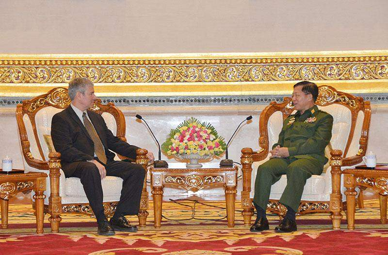 Commander-inChief of Defence Services Senior General Min Aung Hlaing receives Ambassador of the State of Israel to Myanmar Mr Daniel Zonshine.—myawady
