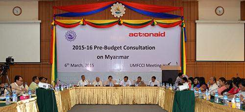 Lawmakers, economists and other stakeholders hold talks to provide suggestions on the 2015-2016 Union Budget which is soon to be discussed in parliament, at RUMFCCI Building in Yangon on Friday.