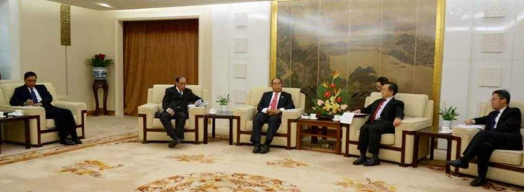 Myanmar and Chinese officials focus on friendly relations, prevalence of law and order at border area.—mna