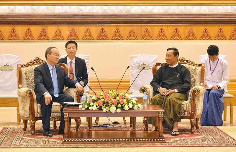 Speaker of Pyithu Hluttaw Thura U Shwe Mann receives  Mr Nguyen Thien Nhan.