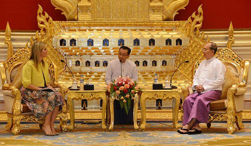 President U Thein Sein (R) meets Queen Máxima of the Netherlands at Credentials Hall of  Presidential Palace.—MNA
