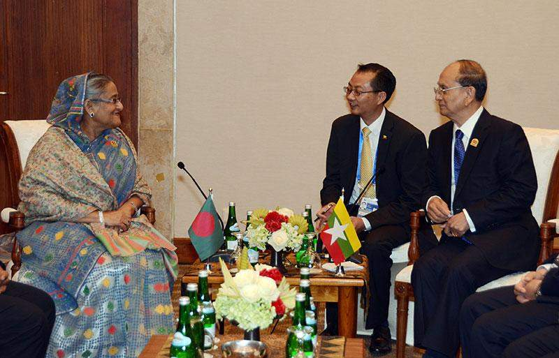 President  U Thein Sein holds talks with Bangladeshi Prime Minister Sheikh Hasina at the Jakarta Convention Centre.