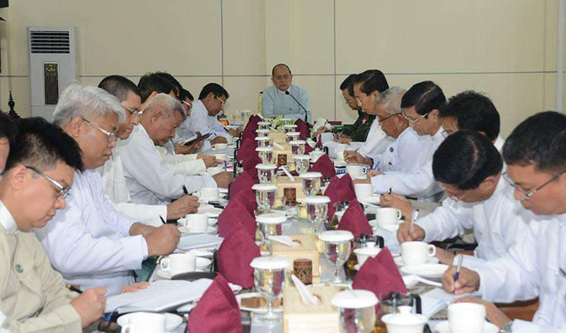President U Thein Sein  addresses meeting on infrastructure development plans to be implemented near Myanmar-Lao Border.MNA
