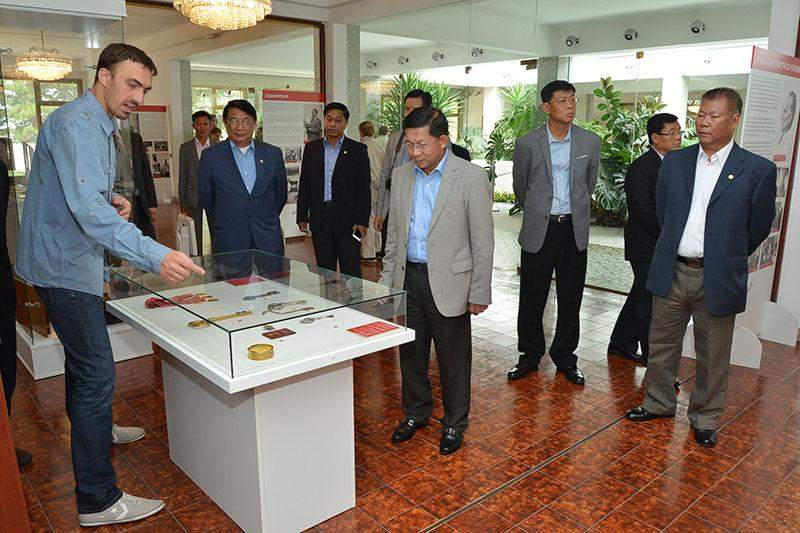 Commander-in-Chief of Defence Services Senior General Min Aung Hlaing and party visit Museum of Yugoslav History. Myawady