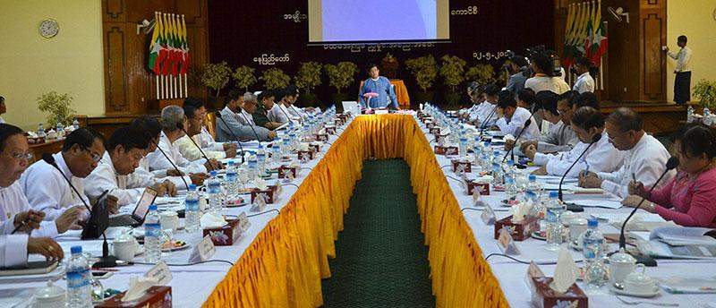 Vice President U Nyan Tun delivers speech at coordination meeting of National Council for Road  and Traffic Safety.—MNA