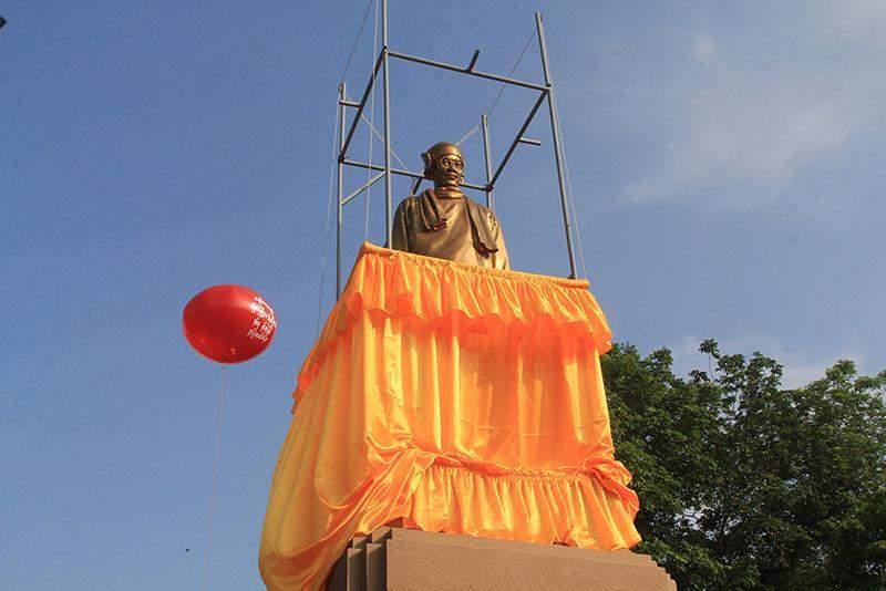 Deedok U Ba Cho statue in Myaungmya.—SPED