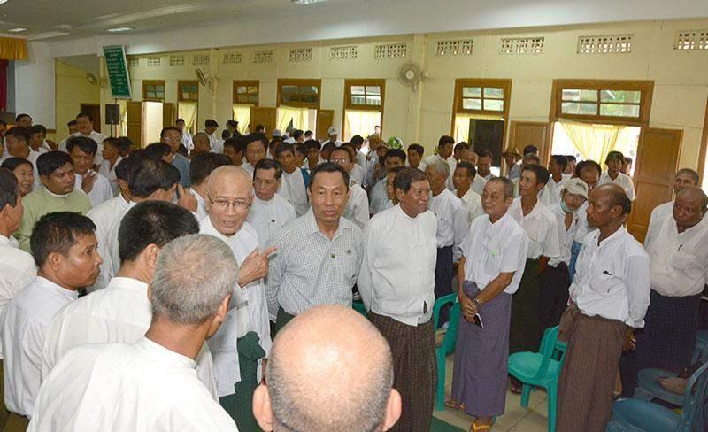 Speaker Thura U Shwe Mann meets local residents at Thiri Yadana Hall in Nyaunglebin.—MNA