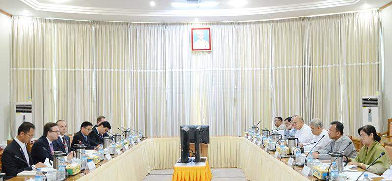 Union Minister Dr Kan Zaw meets with US-ASEAN Business Council chairman  Mr Alexander C. Feldman and party.—MNA