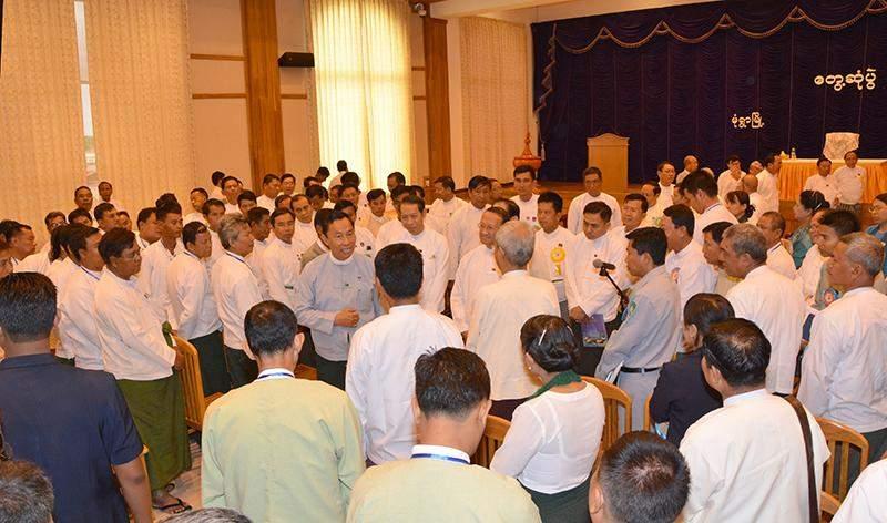 Pyithu Hluttaw Speaker  Thura U Shwe Mann meets local people in Monywa.—MNA