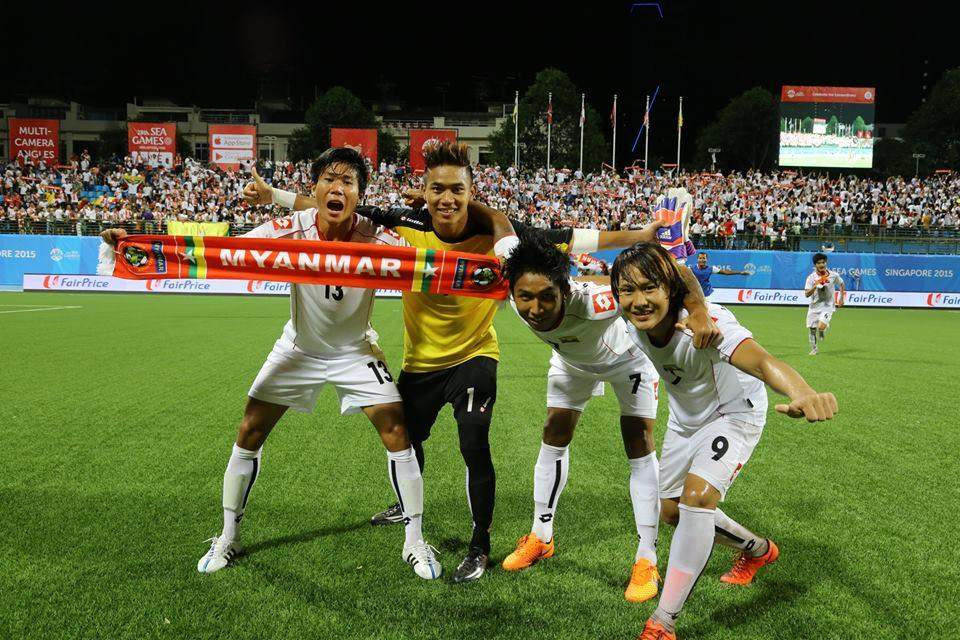 (From left to right) Hein Ko Ko, Phyo Kyaw Zin, Aung Show Thar and Kaung Sat Naing give thumbs up after a 2-1 win over hosts at Jalan Besar Stadium in Singapore on Thursday.—Photo: Credit to MFF