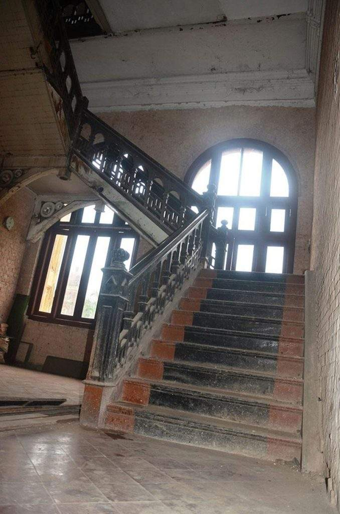 Stairs leading to the meeting room.