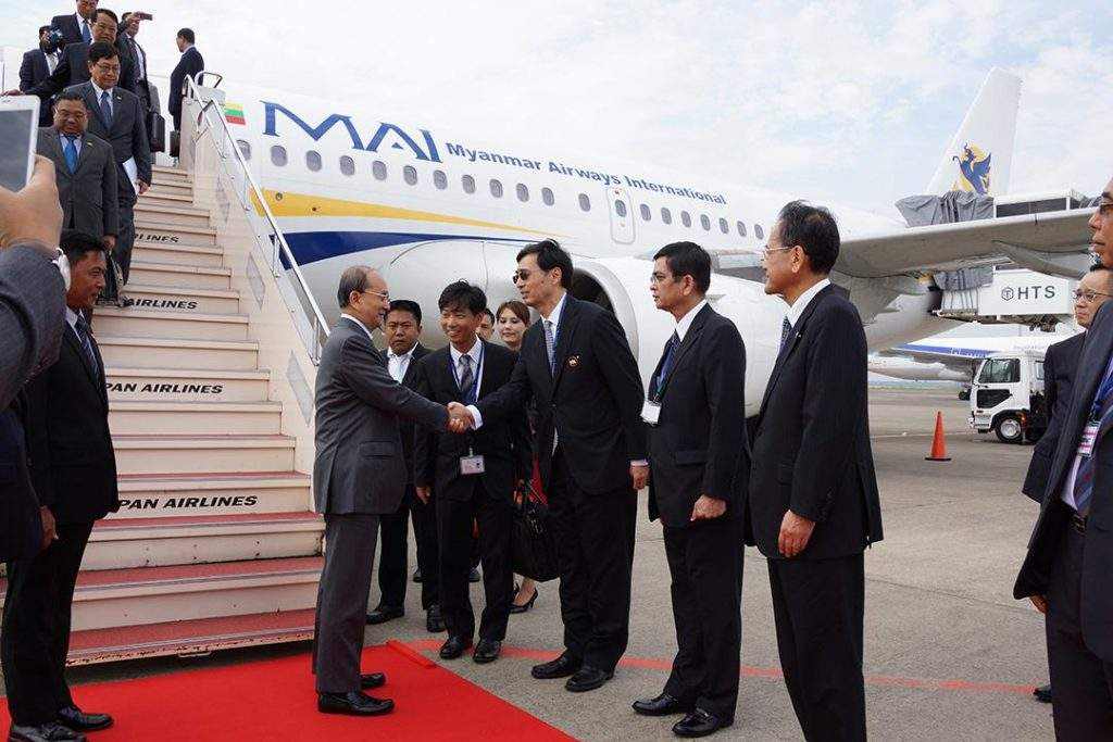President U Thein Sein being welcomed by officials of Japanese government at Haneda Airport in Tokyo, Japan.