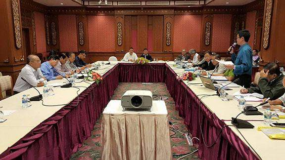 Pu Zing Cung, deputy leader-2 of the senior delegation of ethnic armed groups, speaks at the second day of the preliminary meeting on a ceasefire deal with the government's peace negotiating team, led by Union Minister U Aung Min, in Chiang Mai, Thailand, on Saturday.