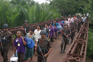 Myanmar hands over 125 boat people to Bangladesh