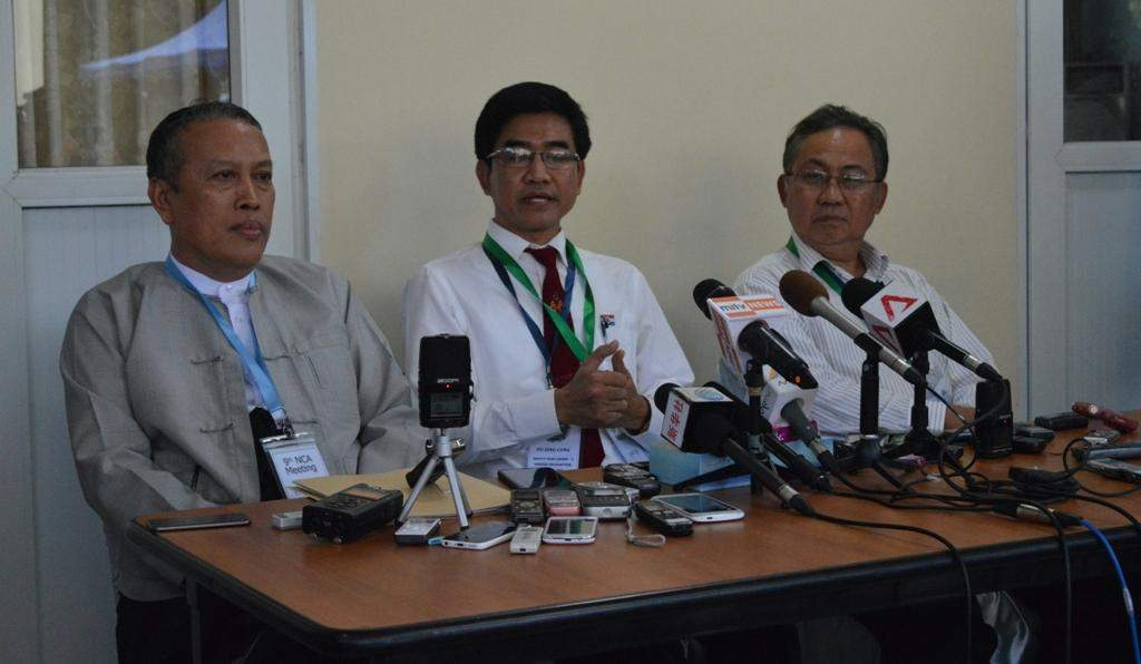 Pu Zing Cung, (Centre), briefs media on the first day of the ninth round of talks between the Union Peace-making Work Committee and a senior delegation of ethnic armed organizations at Myanmar Peace Centre in Yangon. Photo: Ye Myint