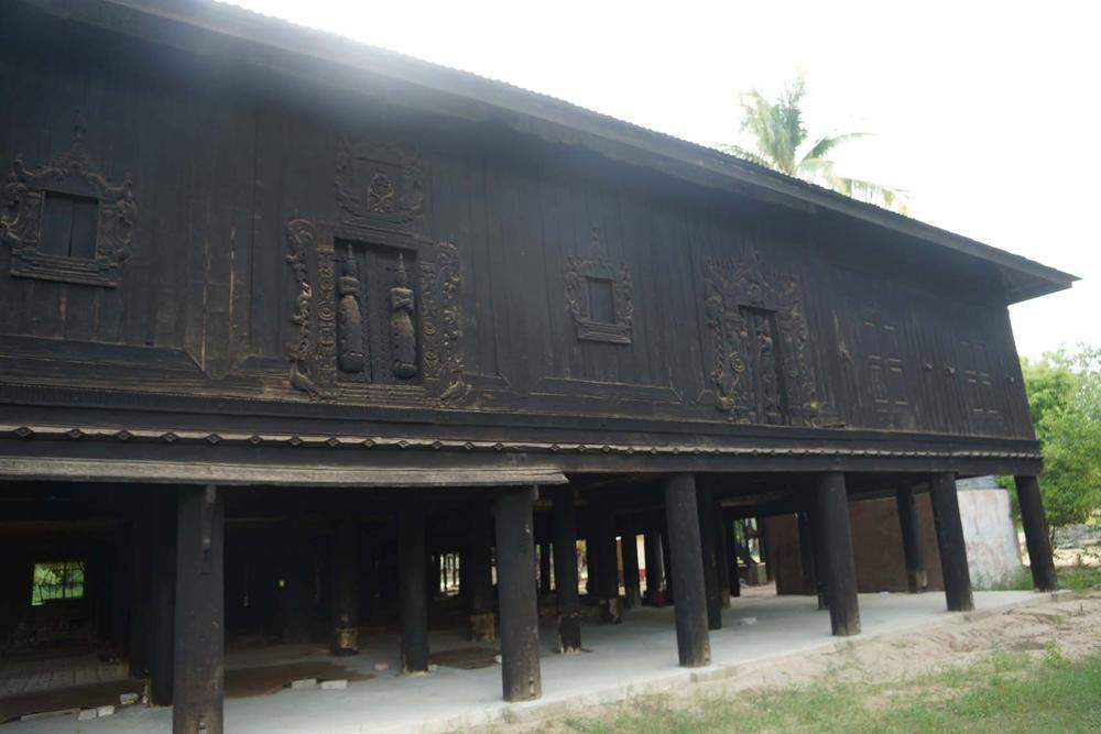 An ancient monastery in Htihlaing (East) village, Wundwin Towship, Meiktila District, houses antiques of the time of Myanmar kings. Photo: Chan Tha