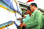 UEC chairman U Tin Aye inspects posting of voters' lists in Union Territory