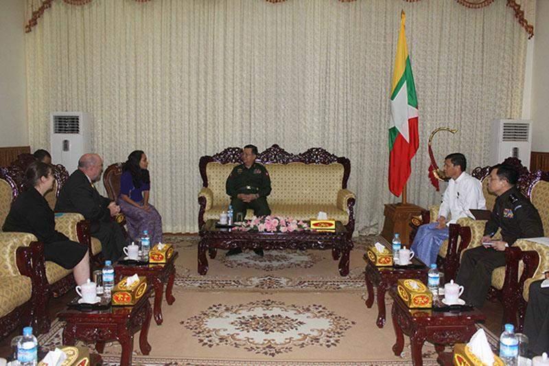 Lt-Gen Ko Ko holds talks with Mr Greg Kelly over cooperation between Myanmar and Australia.