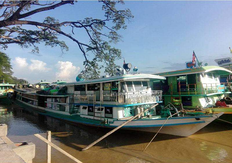 Watercrafts resume transport of passengers and commodities in upper Chindwin River.—Po Chan (Monywa)
