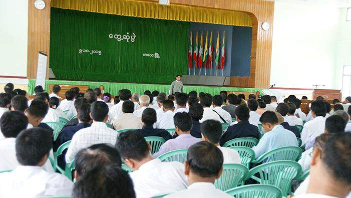 UEC Chairman U Tin Aye clarifies electoral processes at meeting politicans  in Kalay.