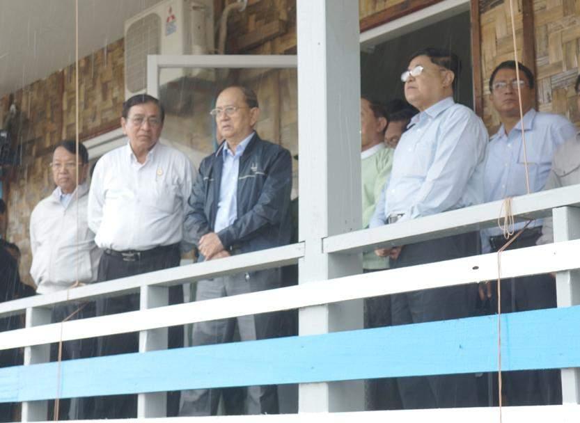 President U Thein Sein inspects Thanlwin Bridge (Chaungzon).